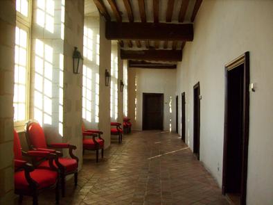 Couloirs menant aux anciennes cellules des moines